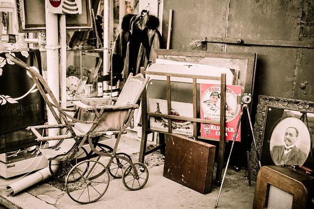 flea-market-1262035_640